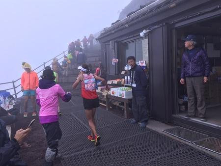 富士登山トップランナー